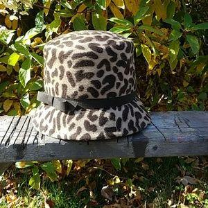 Vintage Henry Pollak wool animal print hat